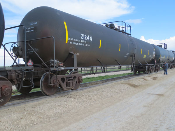 30,000 Gal General Purpose Tank Cars SALE or LEASE