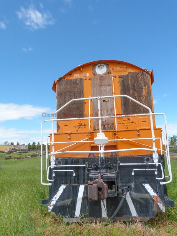 Pacific Fruit Express EMD NW2 Locomotive #1048