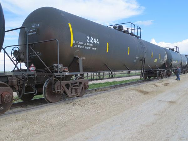 30,000 Gal General Purpose Tank Cars SALE or LEASE