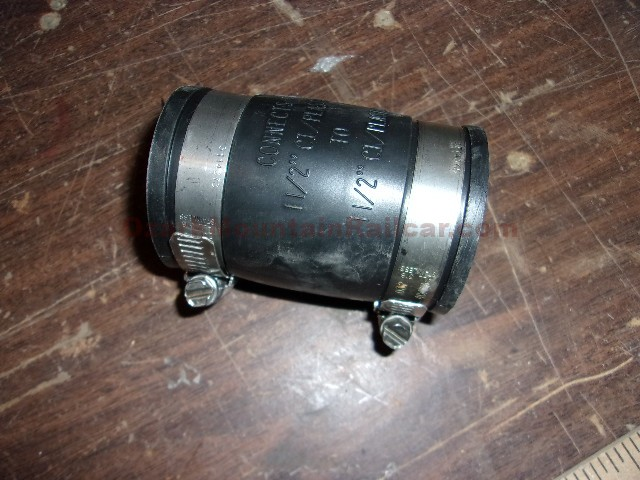 McMaster-Carr 1.5 to 1.5 Rubber Pipe Couplings (1 lot of 5)