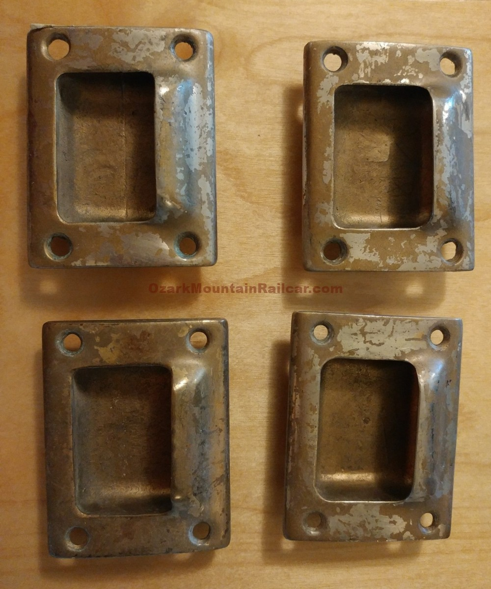 Electric Locker Door Pulls (1 lot of 4)