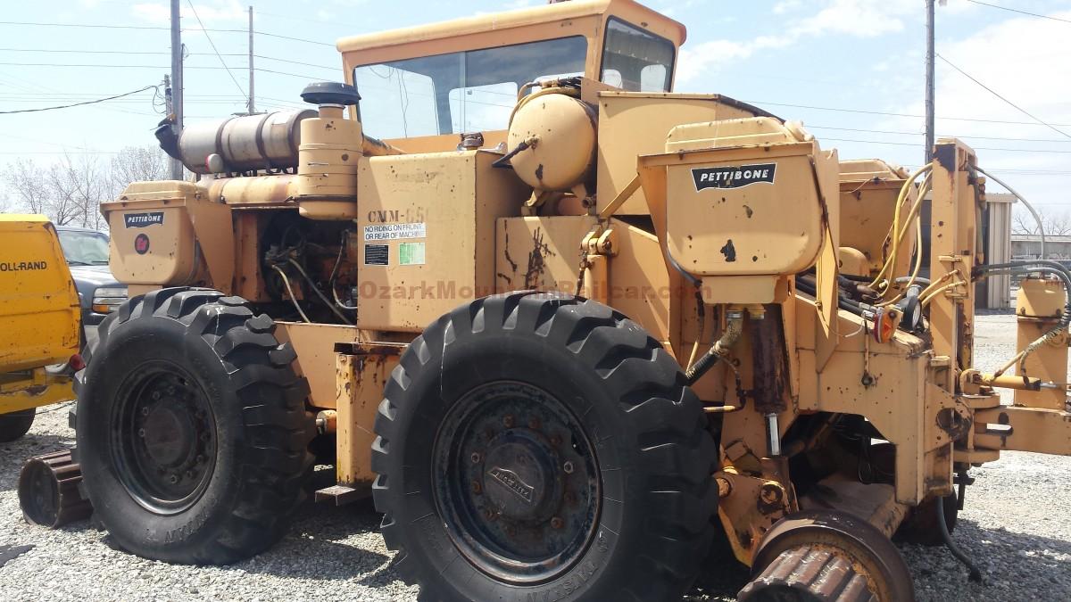 Pettibone 250 CM Railcar Mover