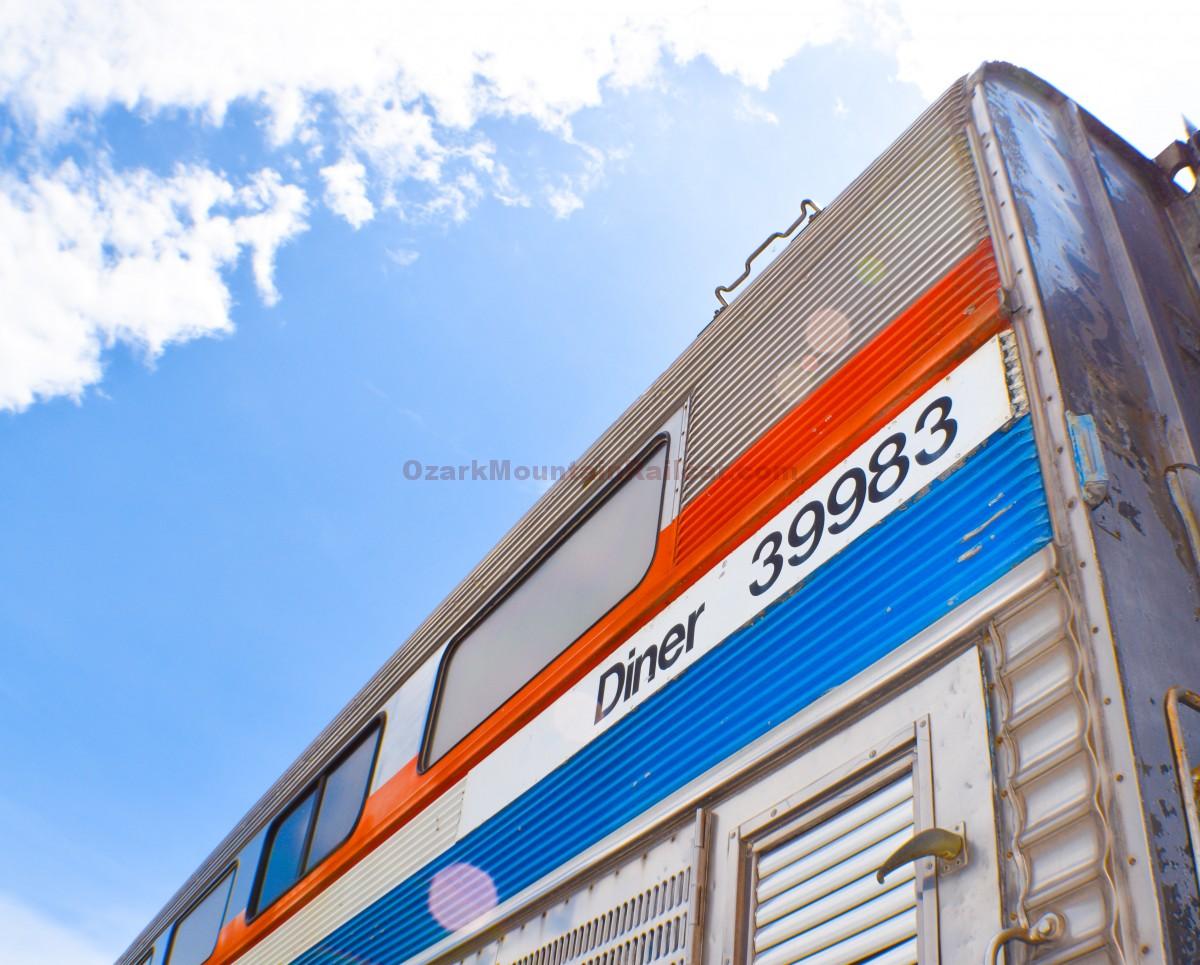 Santa Fe Hylevel Trainsets