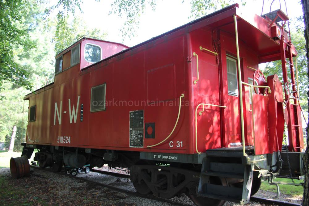 Norfolk & Western Railroad Caboose #518524 – Ozark Mountain